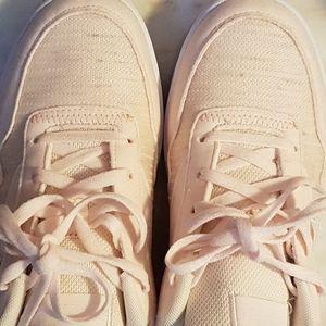 NEW Reebok Pastel Peach & Baby Blue Sneakers